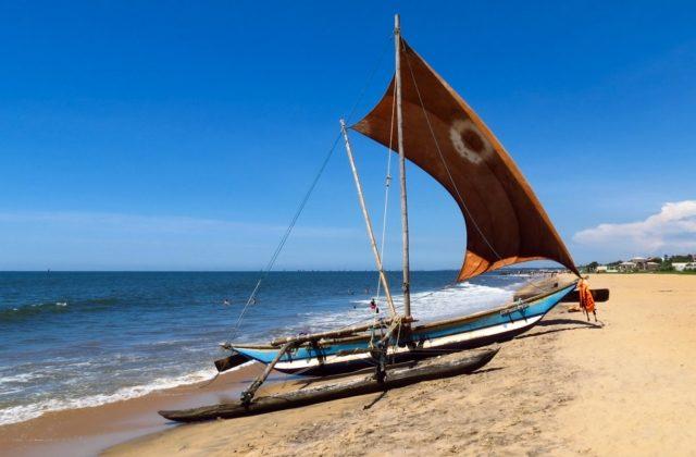 bateau plage negombo