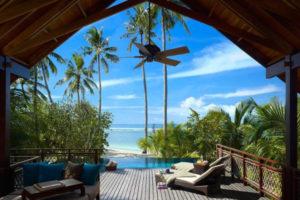 Pool-villa-deck